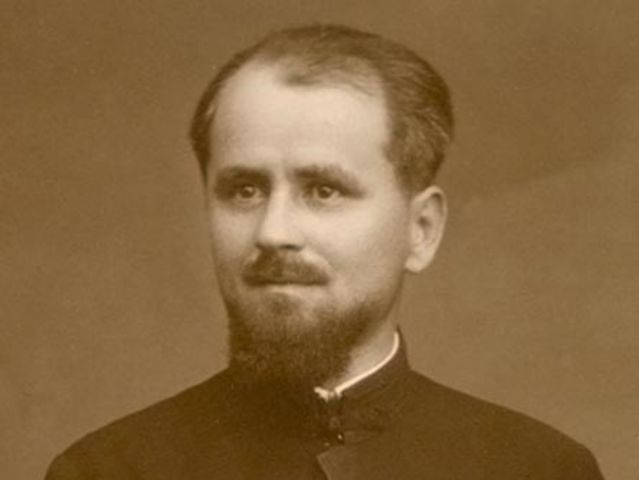 Să ne aducem aminte de sfinții înaintași: Pr. Vasile Ouatu