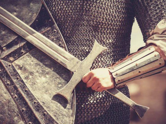 Armele unui creștin luptător (I) – Pr. Iosif Trifa